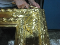 the gold-burnishing with agata stone