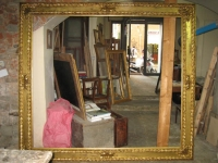 gilded cassetta frame with cerved leafs